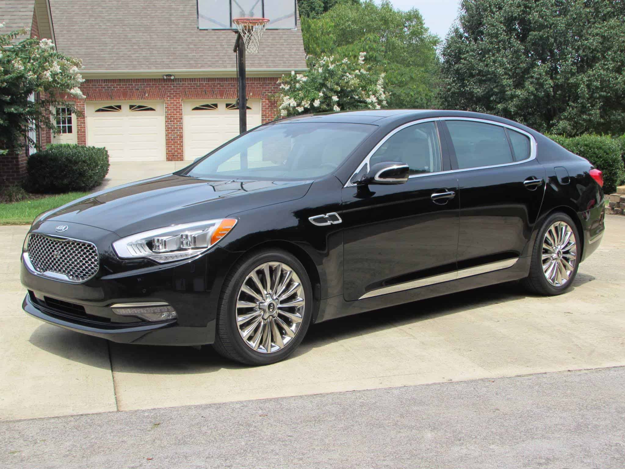 2015 Kia K900 Car Review Video